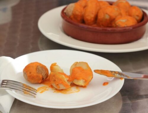 Canarian baby potatoes with red or green 'mojo' sauce