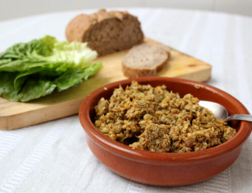 Spicy African-style sprouted lentil dip
